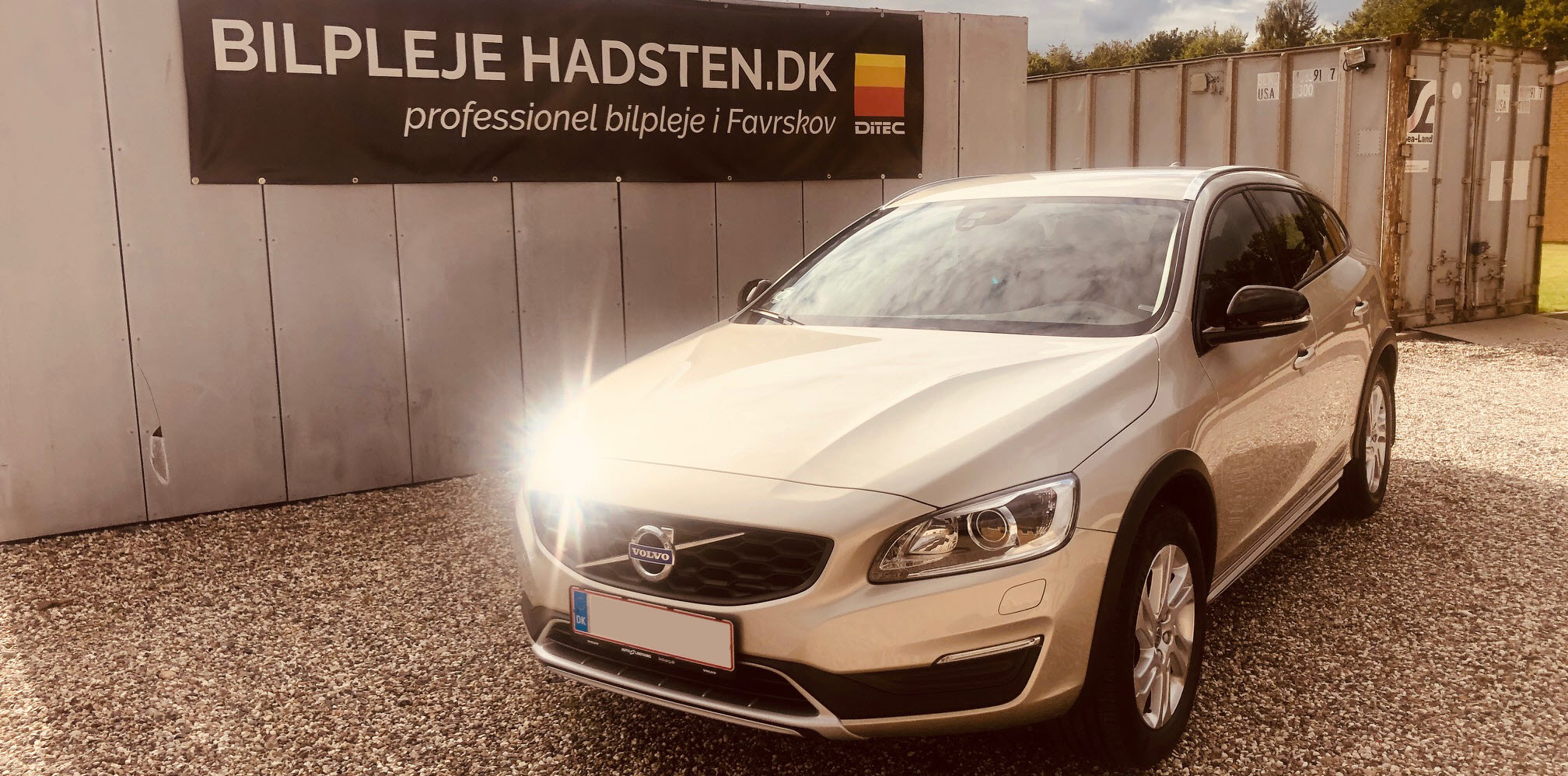 Volvo V60 Cross Country Ditec Ceramic Ultra behandlet hos Bilpleje Hadsten